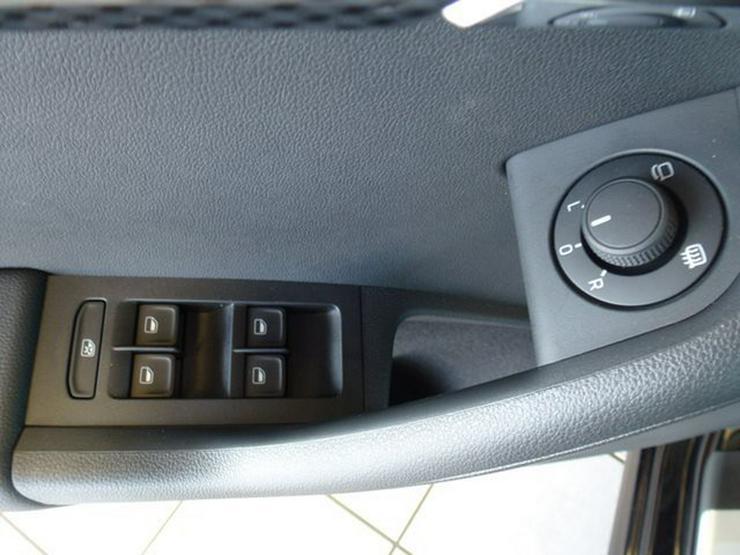 Bild 2: SKODA Octavia Combi 2,0 TDI RS - NAVI , XENON