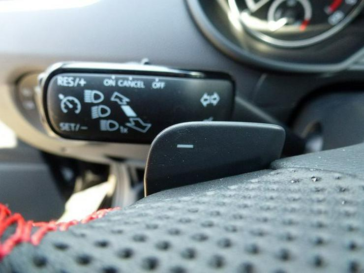 Bild 5: SKODA Octavia Combi 2.0 TDI RS,DSG