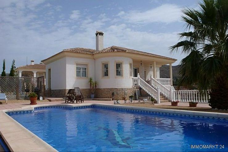 Villa bei San Vicente mit Blick auf die Stadt Alicante sowie das Meer und die Berge! - Haus kaufen - Bild 1