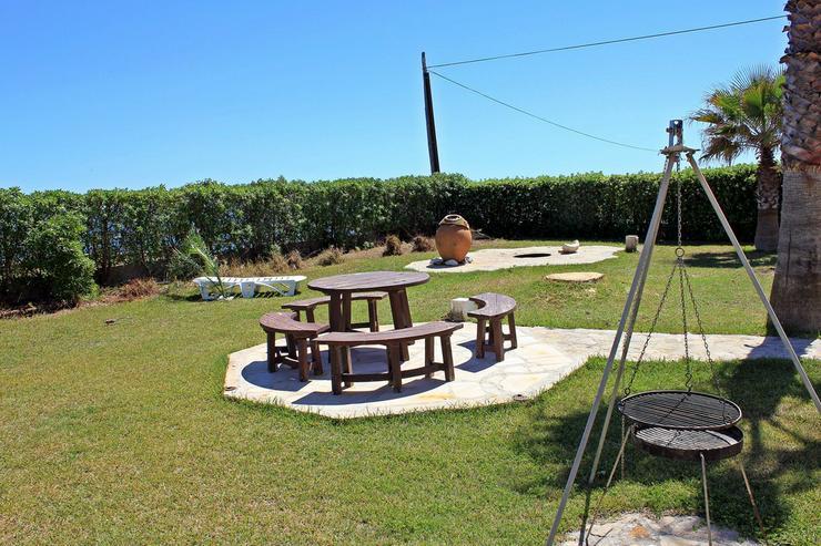 Bild 2: Ferienhaus für 6 Personen, großer Garten