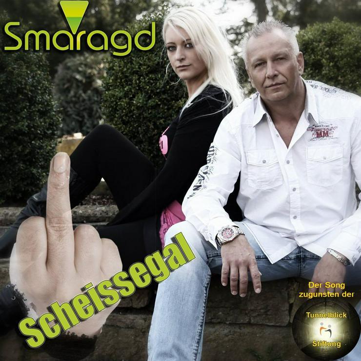 Smaragd präsentiert ihre Single: Scheissegal