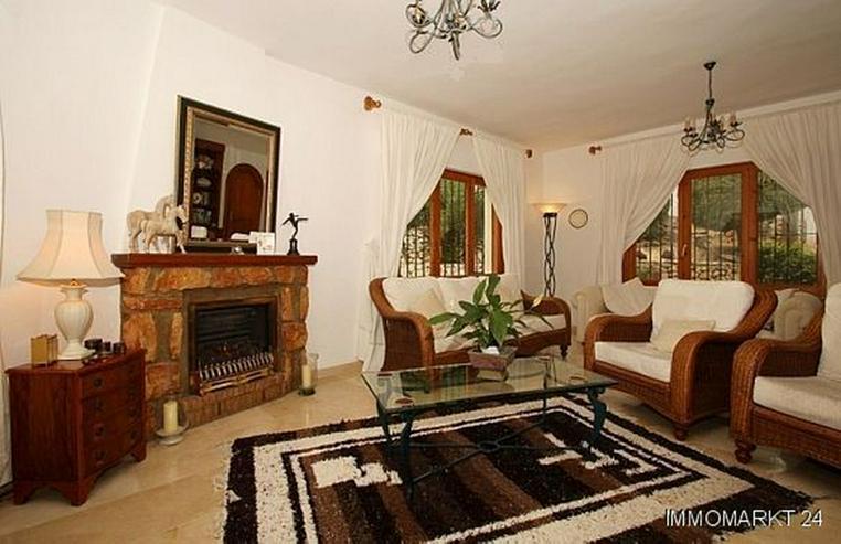 Bild 2: Villa mit Panorama- und Meerblick in Tabaira