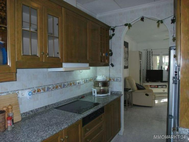 Bild 5: Villa mit 2 separaten Wohnungen und Gemeinschaftspool