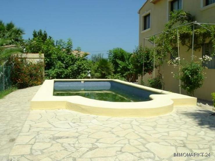 Bild 3: Villa mit Pool nur 300 m vom Strand