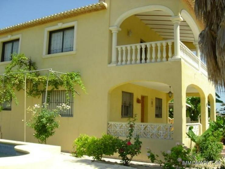 Villa mit Pool nur 300 m vom Strand - Haus kaufen - Bild 1