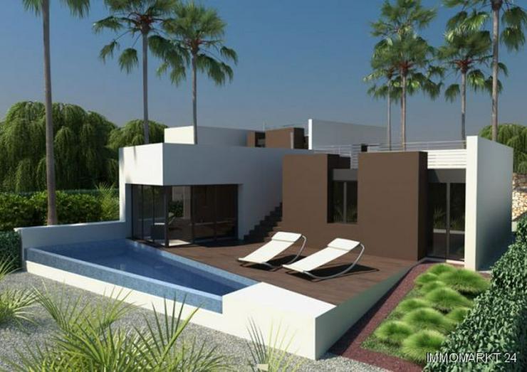 Exklusive 4-Zimmer-Villen mit Privatpool in 1. Linie am Golfplatz - Haus kaufen - Bild 1
