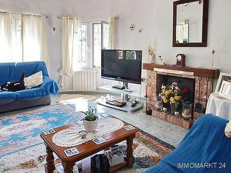 Bild 2: Villa mit Gästeappartement, Pool und Meerblick