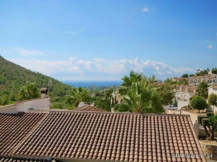 Bild 5: Villa mit Gästeappartement, Pool und Meerblick