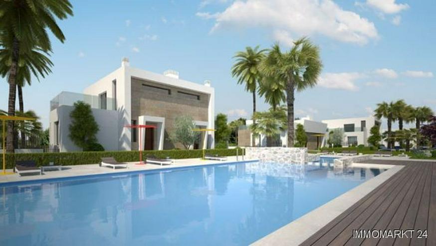Bild 2: Exklusive Doppelhaushälften mit Gemeinschaftspool Nähe Golfplatz