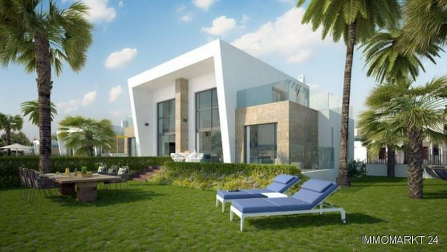 Exklusive Doppelhaushälften mit Gemeinschaftspool Nähe Golfplatz - Haus kaufen - Bild 1