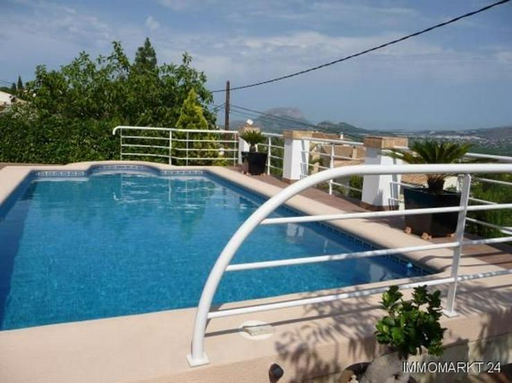 Bild 2: Villa mit Pool und atemberaubenden Panoramablick