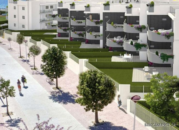 Bild 4: 4-Zimmer-Penthouse-Wohnungen in Anlage in 1. Linie am Strand