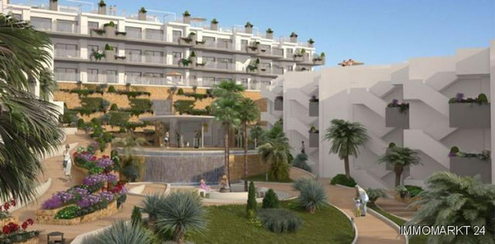 Bild 3: 4-Zimmer-Penthouse-Wohnungen in Anlage in 1. Linie am Strand