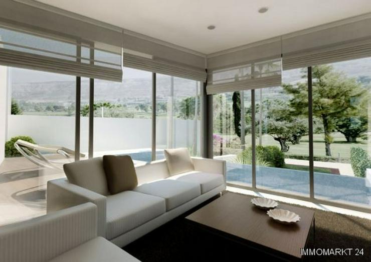 Bild 2: Exklusive 5-Zimmer-Villen mit Privatpool in 1. Linie am Golfplatz