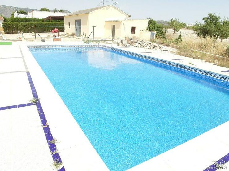 Bild 3: Landhaus-Villa mit Pool und wunderschönem Ausblick