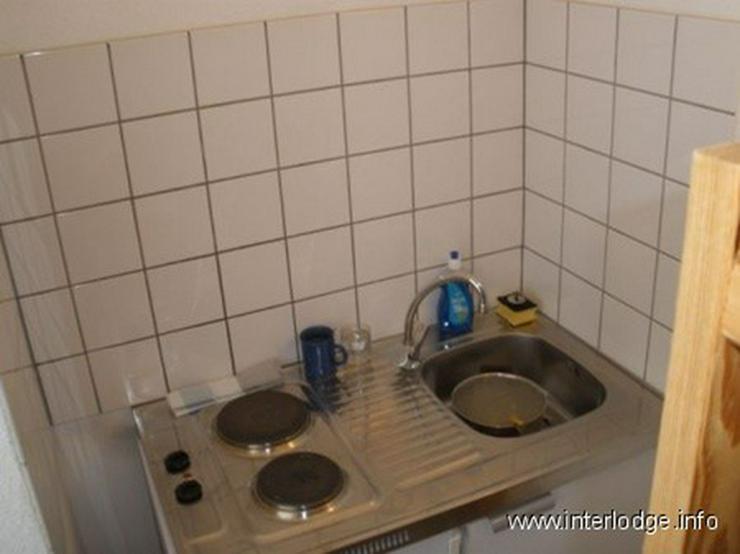 Bild 2: INTERLODGE Modern möbl. Apartment, Bochum-City, Wohn-/Schlafzimmer mit Schlafcouchen für...