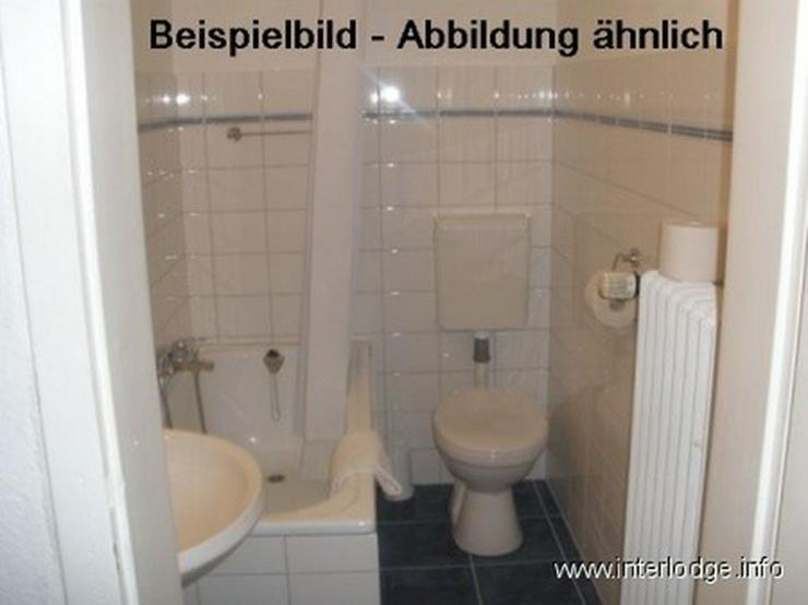 Bild 5: INTERLODGE Modern möblierte Mansardenwohnung in Bochum-City, 2 Schlafzimmer mit 4 Einzelb...