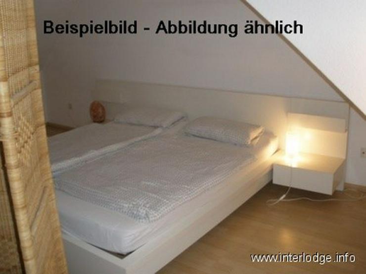 Bild 2: INTERLODGE Modern möblierte Mansardenwohnung in Bochum-City, 2 Schlafzimmer mit 4 Einzelb...