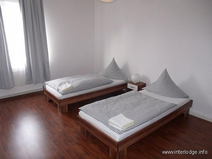 Bild 6: INTERLODGE Modern möbl. Wohnung, Bochum-City, 2 Schlafzimmer mit 4 Einzelbetten, Wohnküc...