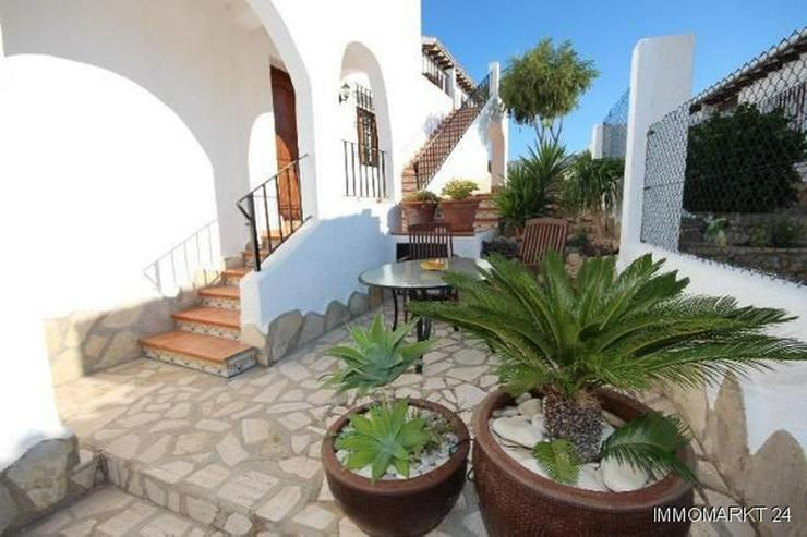 Bild 5: Anspruchsvolle Villa mit 2 Wohneinheiten und traumhaftem Blick in die Berge und auf das Me...