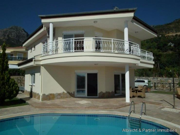 Günstiges Einfamilenhaus in Alanya mit einem privaten Pool - Haus kaufen - Bild 1