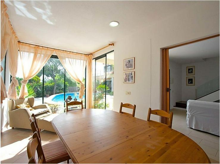 Bild 5: Moderne Villa mit Gemeinschaftspool, Cala Pi