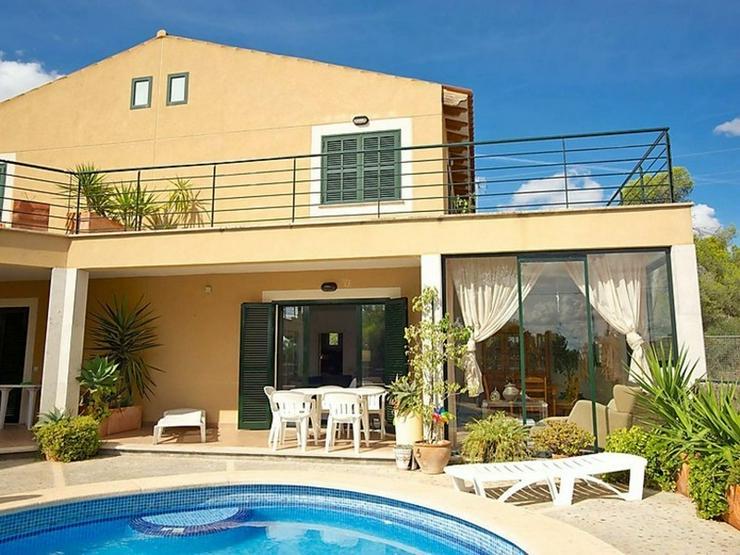 Bild 2: Moderne Villa mit Gemeinschaftspool, Cala Pi