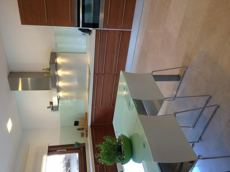 Bild 3: Wunderschöne neue Villa in der ruhigen Wohngegend Maioris.