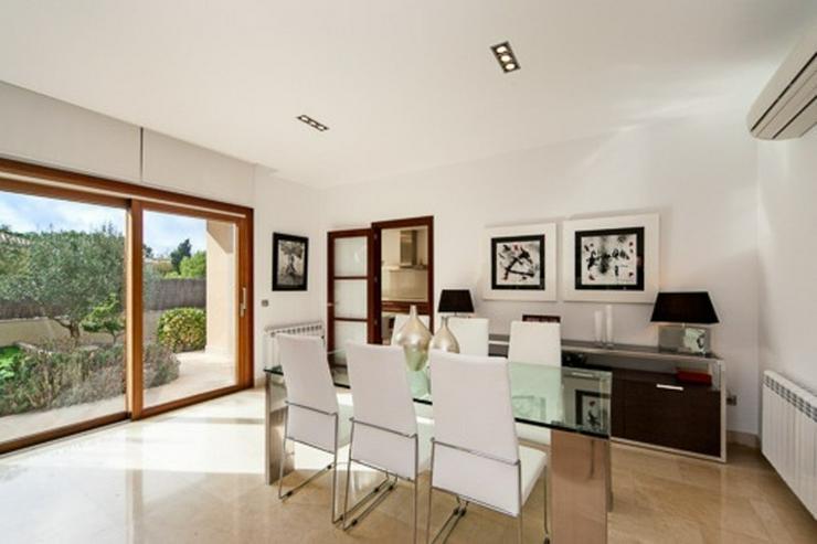 Bild 4: Wunderschöne neue Villa in der ruhigen Wohngegend Maioris.