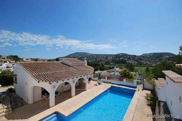 Charmante und stilvolle Villa mit Pool und Panoramablick - Haus kaufen - Bild 1