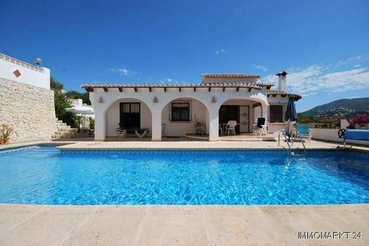 Bild 2: Charmante und stilvolle Villa mit Pool und Panoramablick