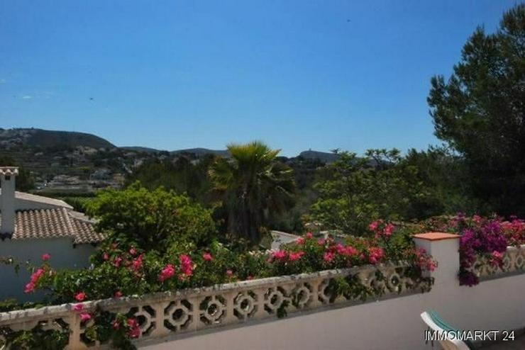 Bild 4: Charmante und stilvolle Villa mit Pool und Panoramablick