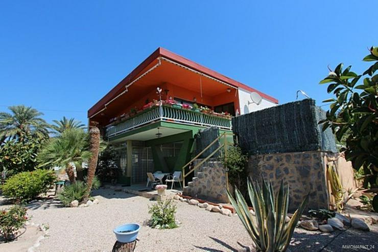 Bild 6: Renovierungsbedürftige Villa nur 800 m vom Strand