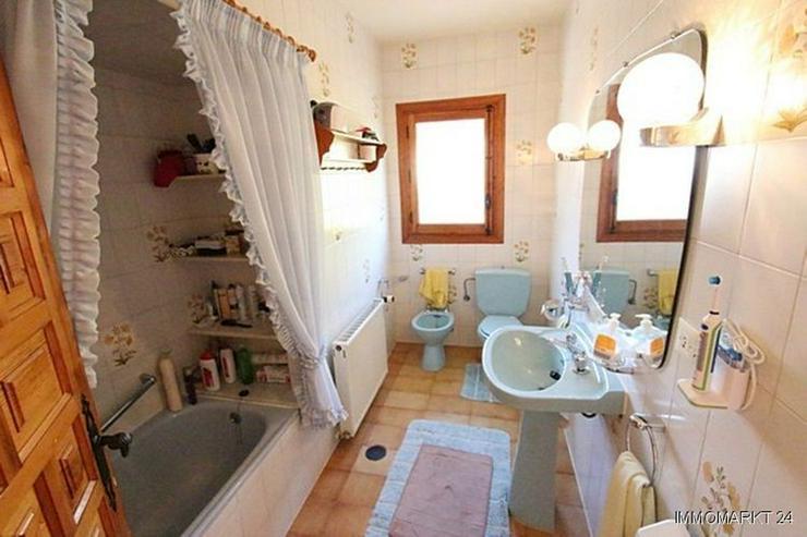 Bild 6: Sehr gepflegte Villa mit Swimmingpool und traumhaftem Garten bei Busot