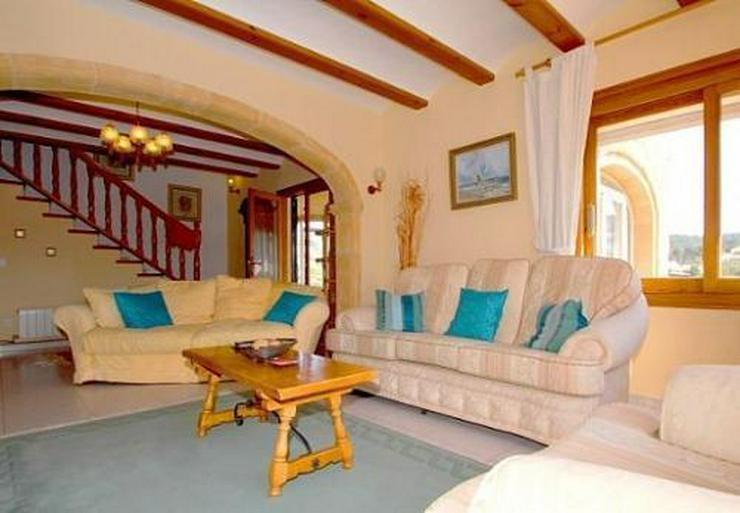 Bild 14: Landhaus-Villa mit wunderschöner Natursteinfassada und zwei Wohneinheiten in Tarraula