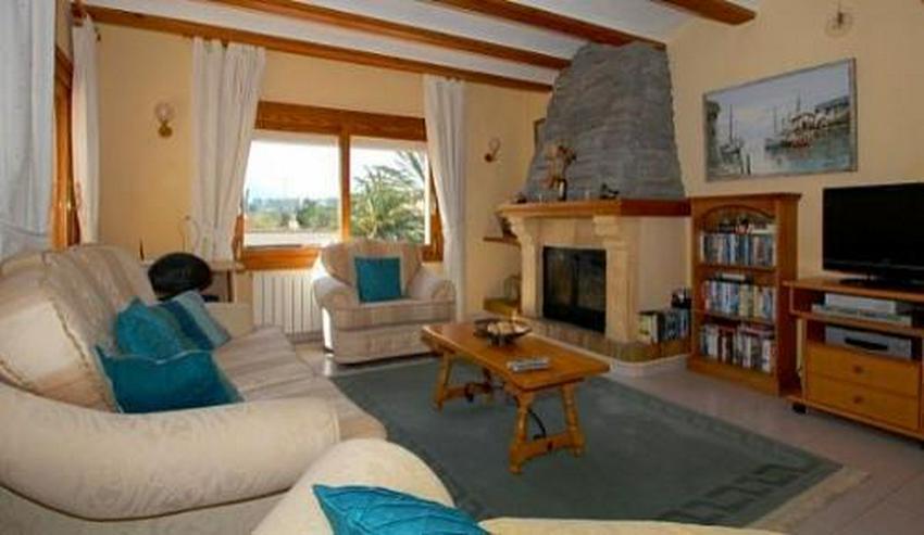 Bild 13: Landhaus-Villa mit wunderschöner Natursteinfassada und zwei Wohneinheiten in Tarraula
