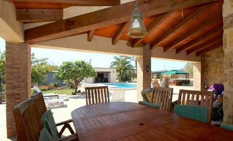 Bild 6: Landhaus-Villa mit wunderschöner Natursteinfassada und zwei Wohneinheiten in Tarraula
