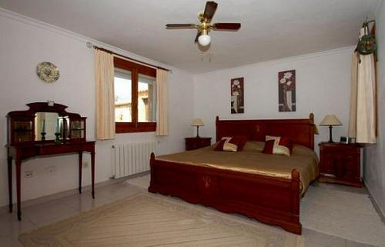 Bild 10: Landhaus-Villa mit wunderschöner Natursteinfassada und zwei Wohneinheiten in Tarraula