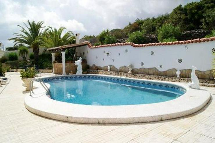 Bild 4: Villa mit Panoramablick bis hin zum Meer