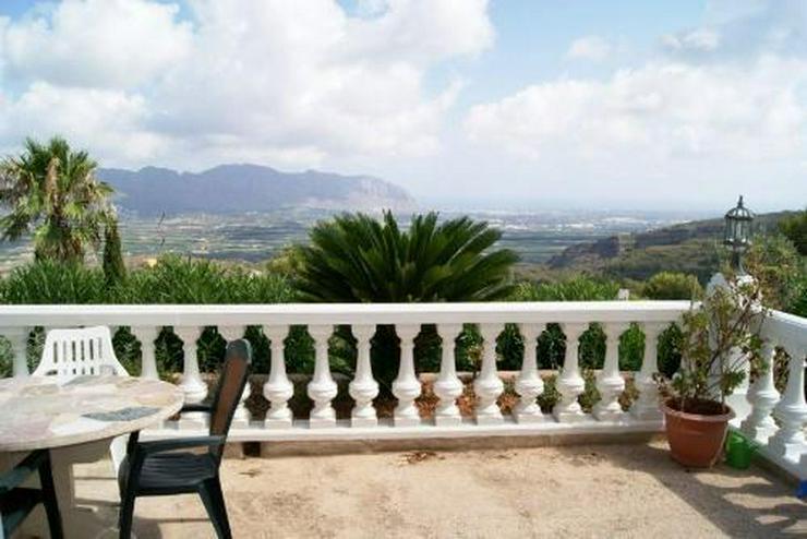 Bild 5: Villa mit Panoramablick bis hin zum Meer