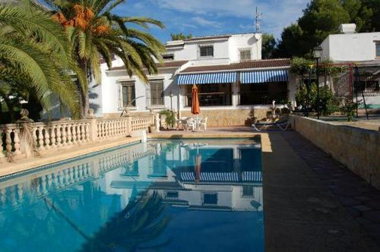 Großzügige Villa mit Pool in Javea - Auslandsimmobilien - Bild 1