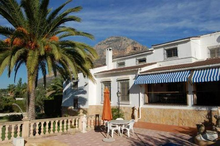Bild 2: Großzügige Villa mit Pool in Javea