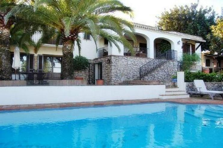 Großzügige Villa mit Pool in La Xara - Haus kaufen - Bild 1