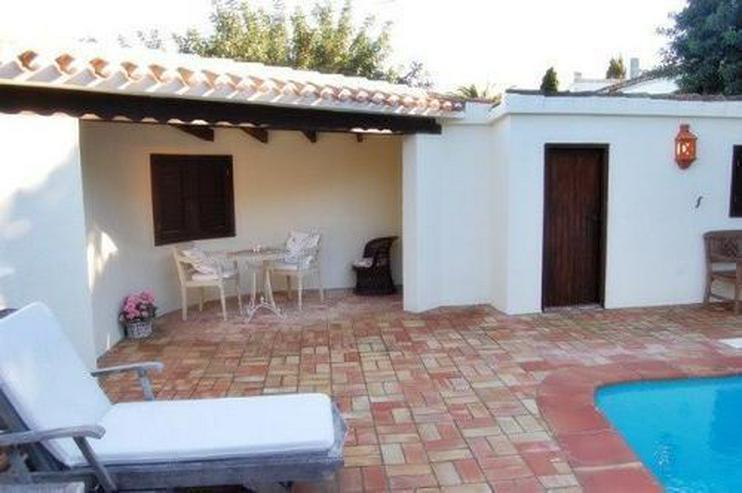Bild 3: Großzügige Villa mit Pool in La Xara
