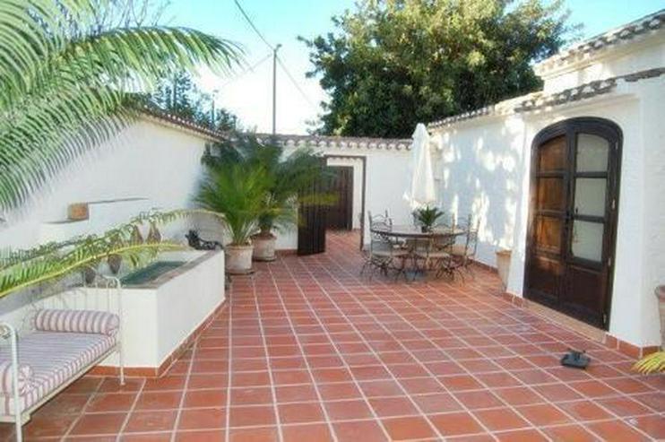 Bild 6: Großzügige Villa mit Pool in La Xara