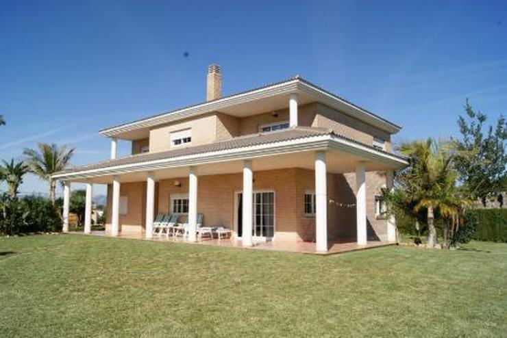Wunderschöne Villa im Tossalet-Gebiet - Haus kaufen - Bild 1