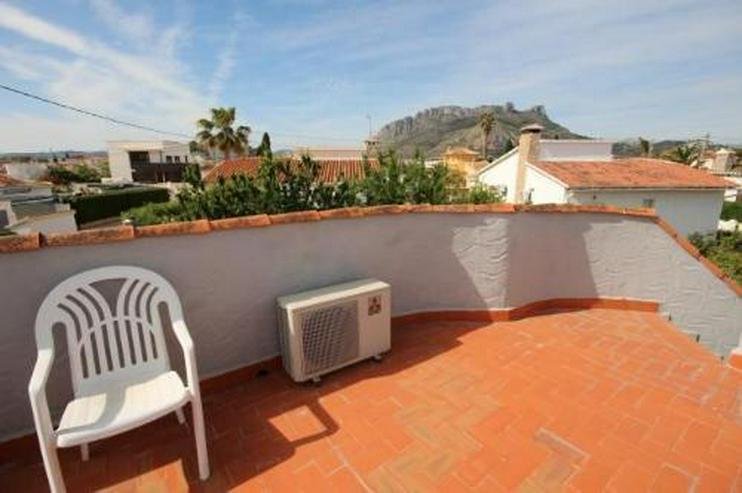 Bild 3: Sehr gepflegtes sonniges Haus mit Dachterrasse mit Bergblick und Carport