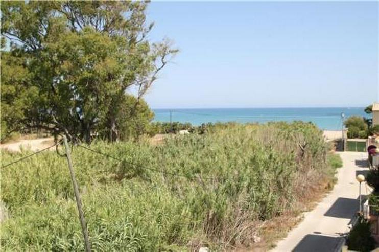 Bild 2: Gepflegtes Appartement mit Gemeinschaftspool in Denia Les Deveses, nur 20 m vom Strand ent...