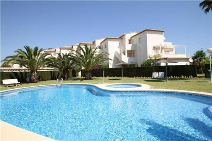 Gepflegtes Appartement mit Gemeinschaftspool in Denia Les Deveses, nur 20 m vom Strand ent... - Auslandsimmobilien - Bild 1