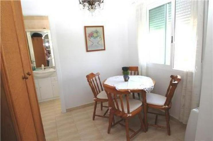 Bild 6: Gepflegtes Appartement mit Gemeinschaftspool in Denia Les Deveses, nur 20 m vom Strand ent...